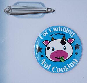 Fridge Magnet: Cows Are For Cuddling