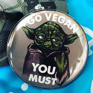 58mm Badge: YODA KNOWS